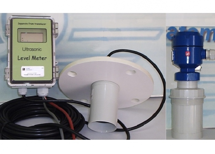 Ultrasonic level transmitter - compact and remote