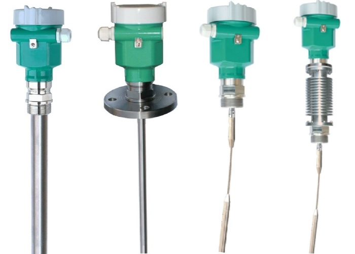 Guided wave level Transmitters liquids and solids